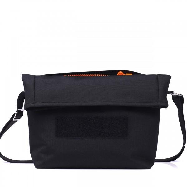 Handtasche - wandelbar - nachhaltig - Komplizin - schwarz - 1